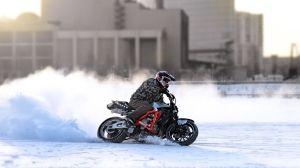 Мотоцикл зимой
