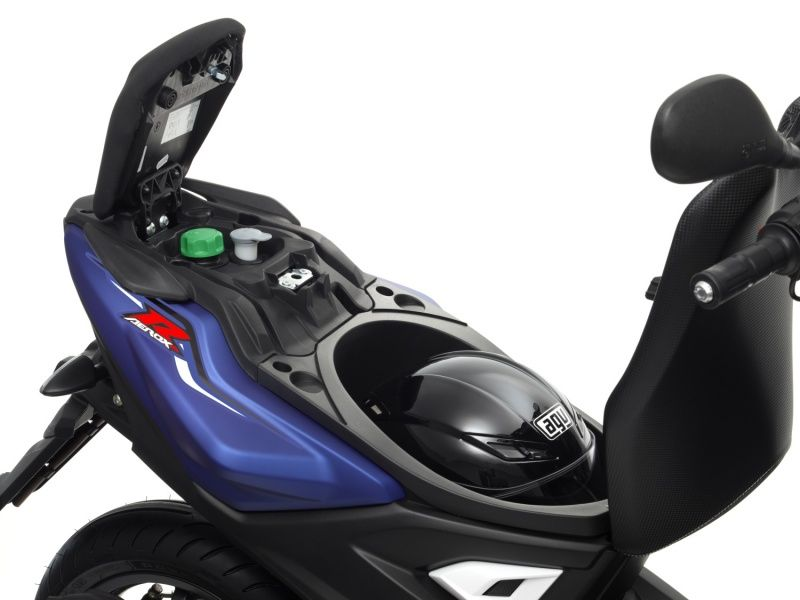 scooter-yamaha-aerox-r-coffre_hd