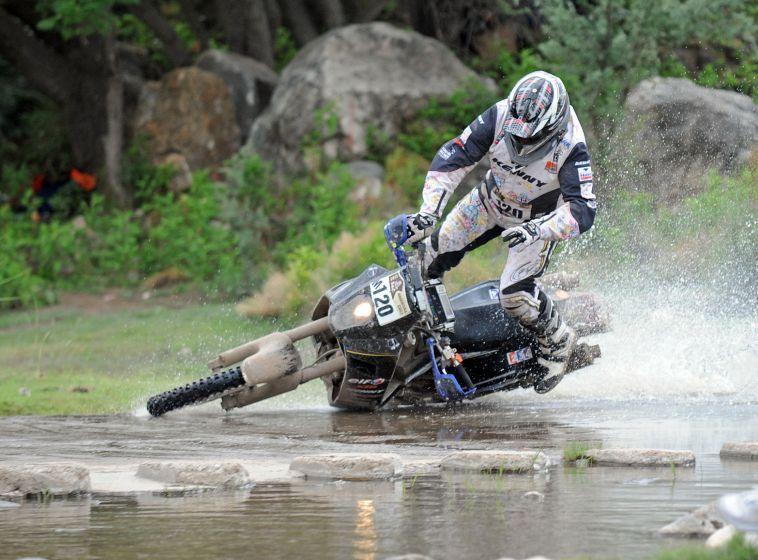 Как правильно падать с мотоцикла