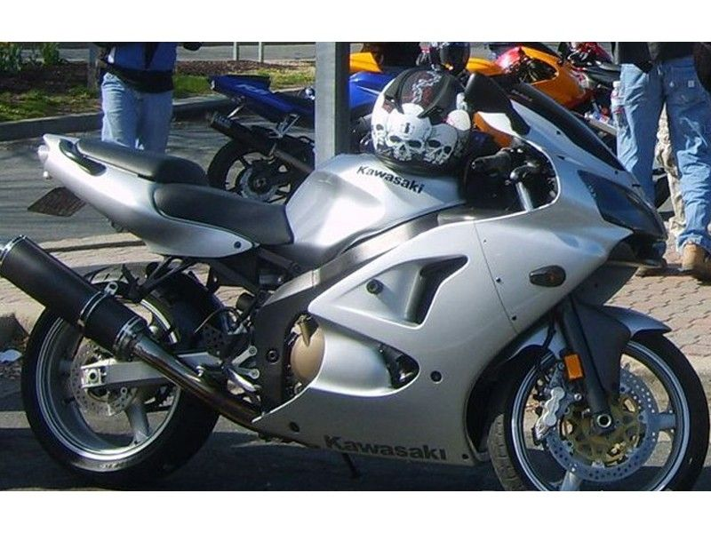 Kawasaki-zzr600zx6-6