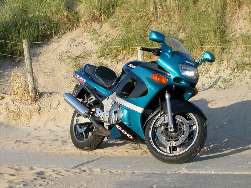 Kawasaki_ZZ-R_600