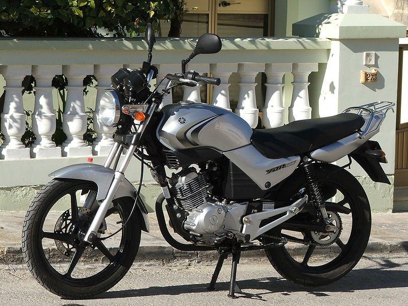 800px-Yamaha_YBR125_(Fuel_Injection_-_EU_Spec)