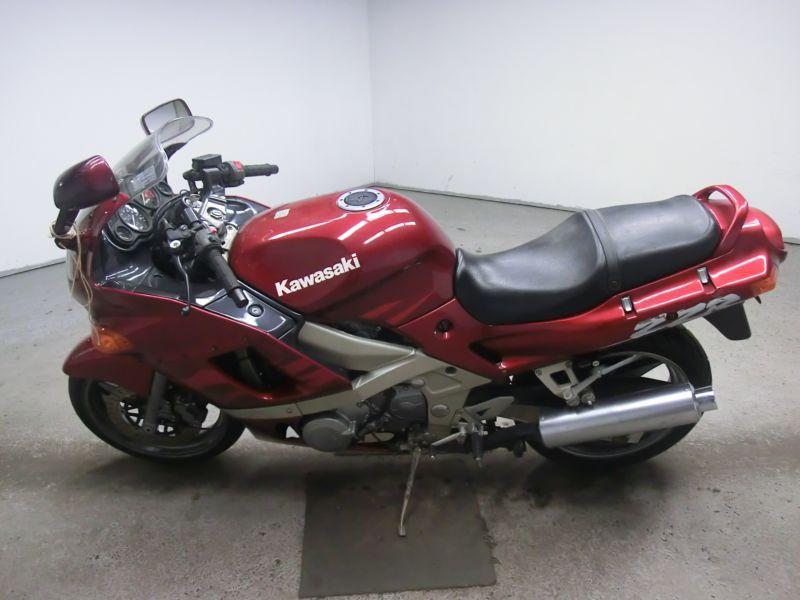 технические характеристики Kawasaki ZZR 400