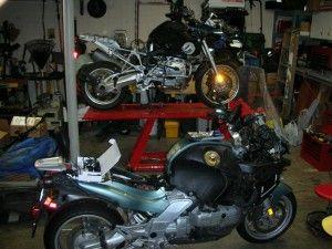 mirror garage 300x225 - Хранение мотоцикла в квартире